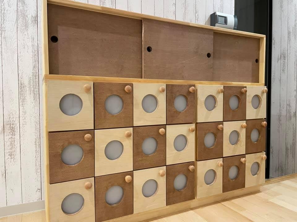 愛媛県で保育家具を製造